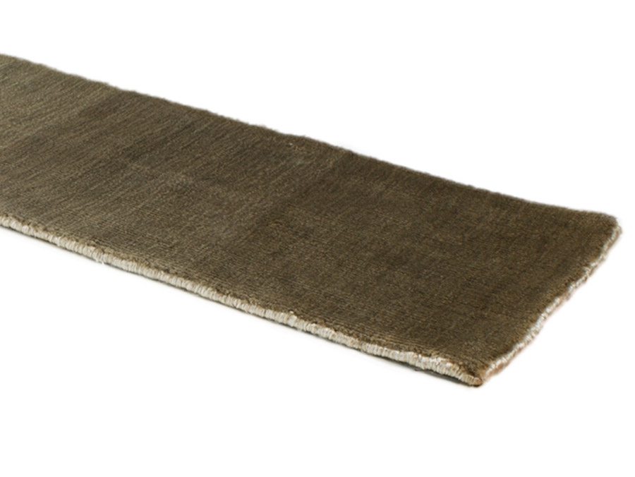 Velvet Carpet 100 Banana Silk Itc