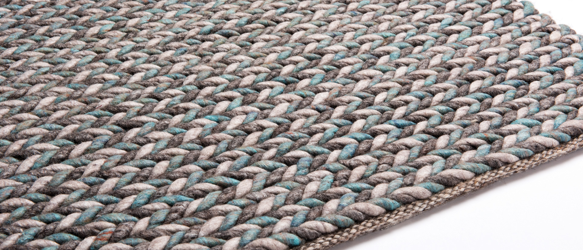 Luxury viscose and wool carpet